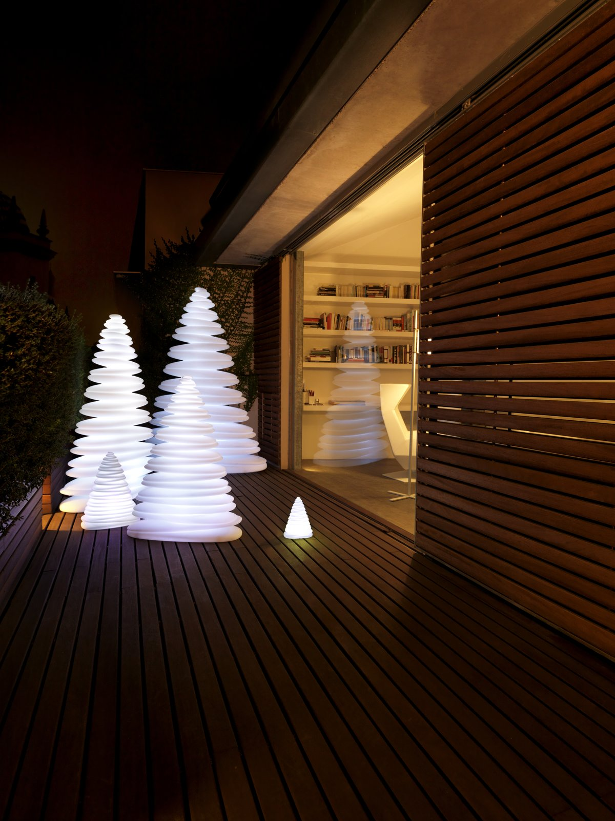 Chrismy.- Christmas tree by Teresa Sapey for VONDOM  Christmas from Chrismy from VONDOM