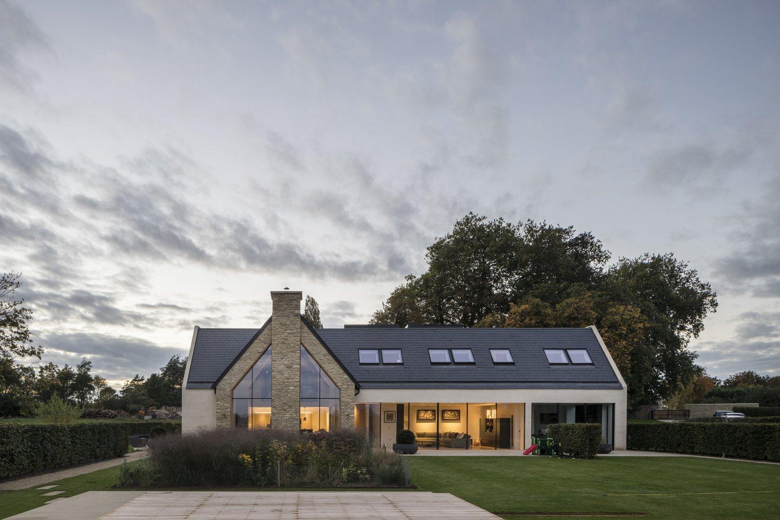 Architect: Waind Gohil + Potter Architects Photography: Anthony Coleman  The Old Barn Worton Farm