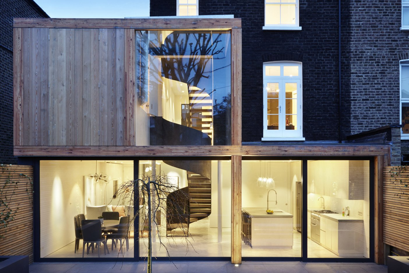 Architect: Cousins & Cousins Architects Contractor: Romark Projects Ltd Photography: Jack Hobhouse  De Beauvoir House
