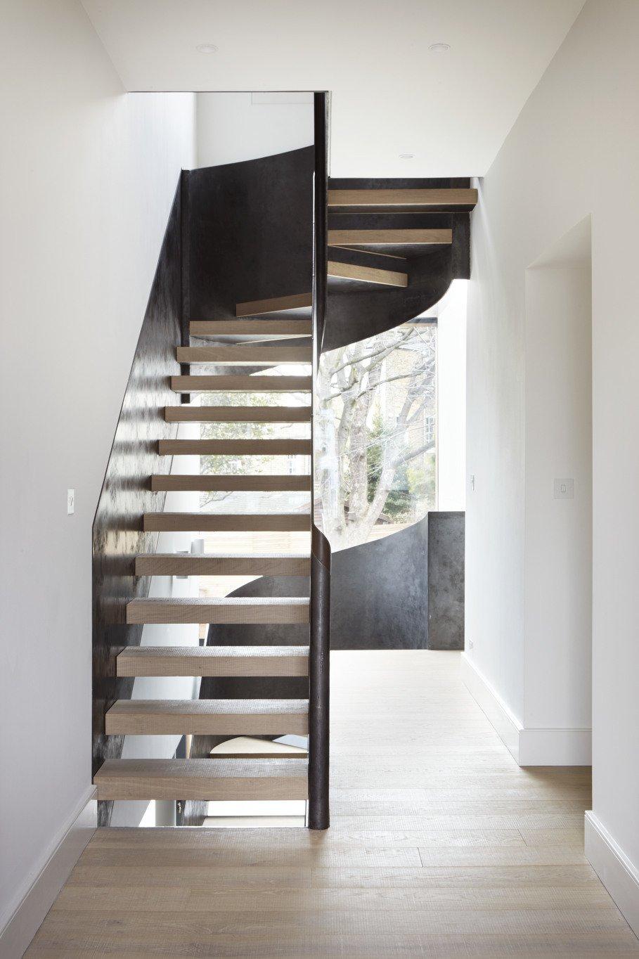 Architect: Cousins & Cousins Architects Contractor: Romark Projects Ltd Photography: Jack Hobhouse  De Beauvoir House