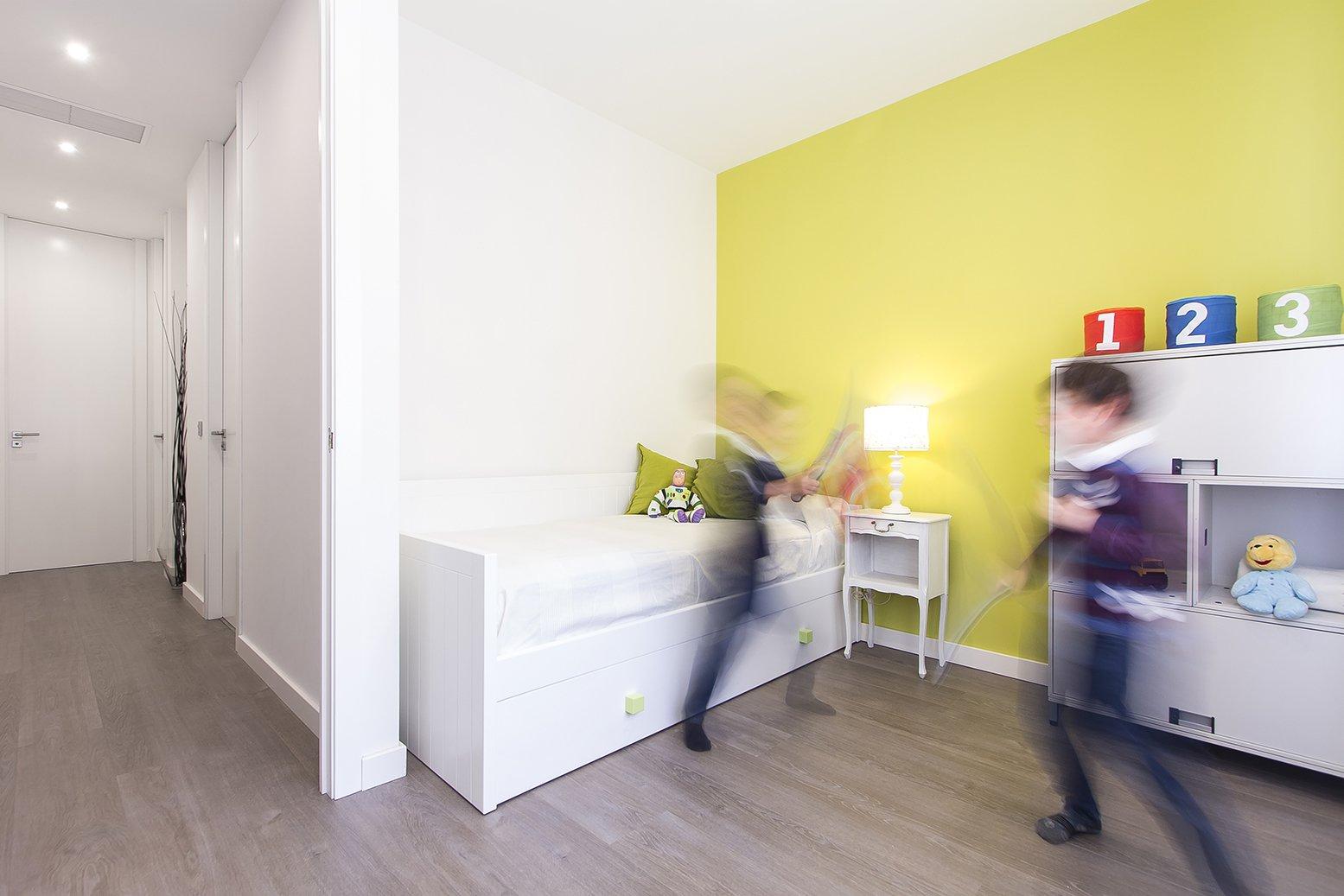 005.GEB - Apartment Refurbishment in Madrid Photo: Carlos Antón Photography ©  005.GEB by estudio AMÁSL