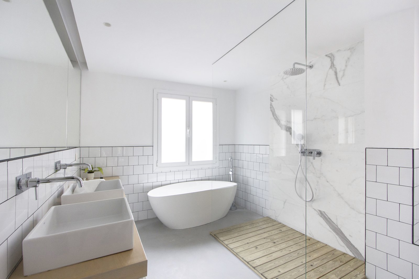 Bath, Freestanding, Open, Marble, Wood, Ceramic Tile, Two Piece, Concrete, Vessel, Ceiling, and Concrete 014.CASA PEX  Best Bath Freestanding Vessel Marble Concrete Ceramic Tile Wood Photos from 014.PEX 114