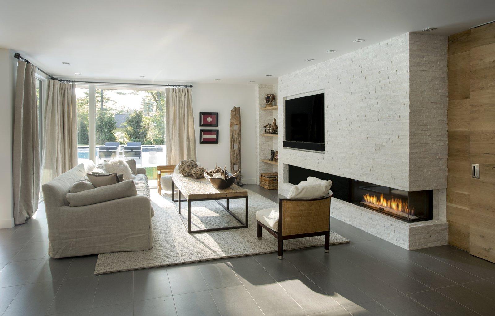 Ledgewood- Family Room  Ledgewood by LDa  Architecture & Interiors