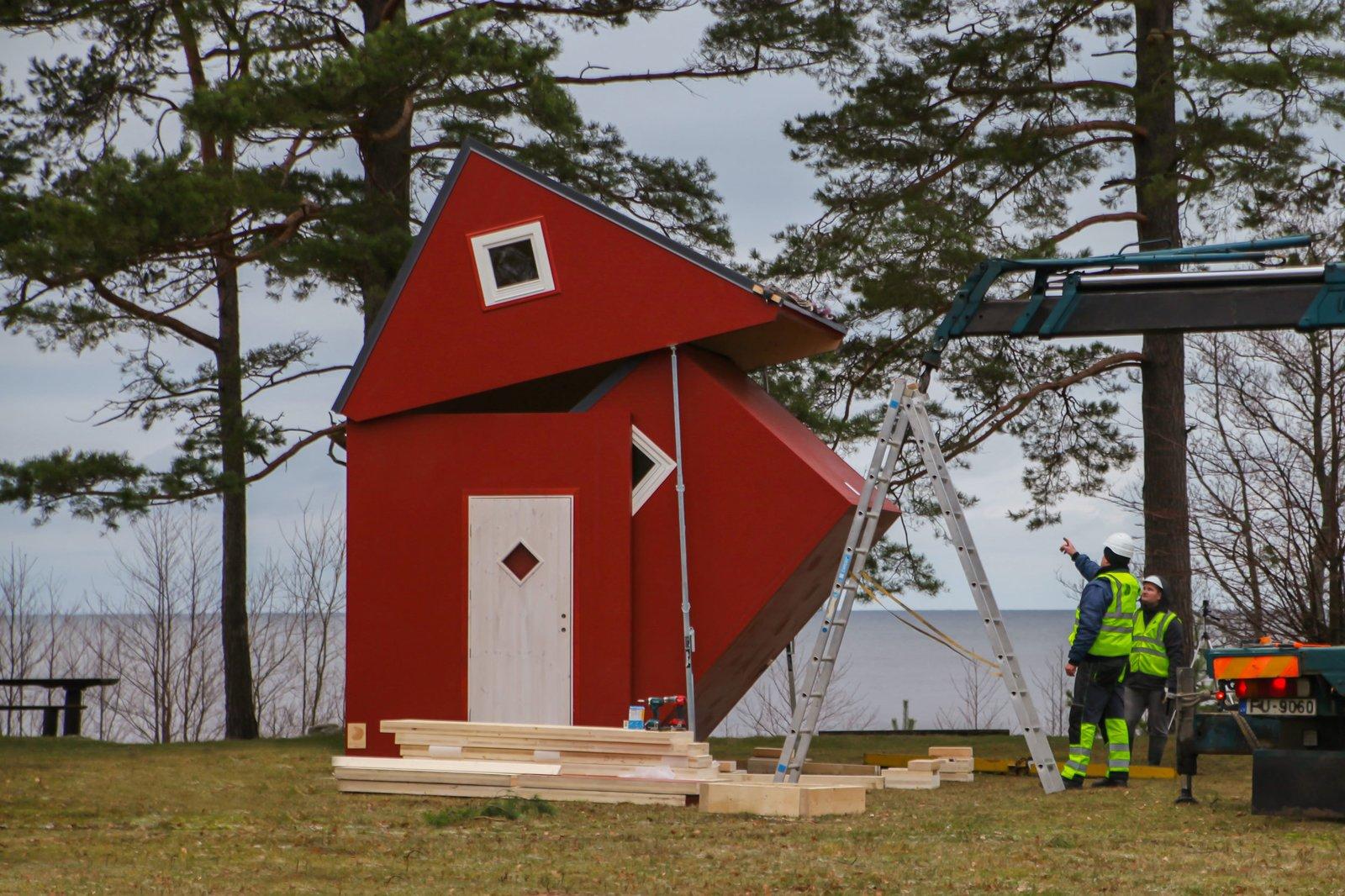 Brette Haus Rustic construction