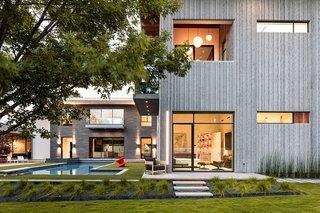 Taula House: A Study in Balance