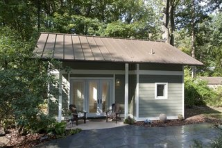 This 340 sf Maryland ADU replaced an existing one-car garage.