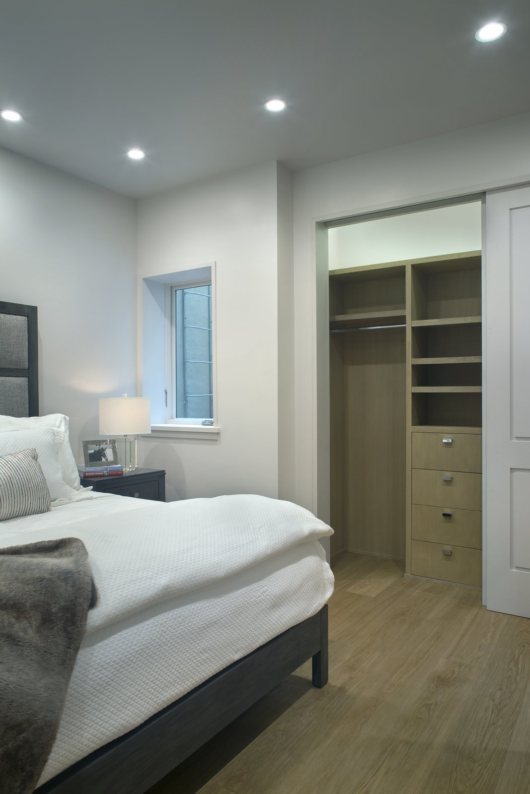 Bedroom Guestroom millwork   Smuggler Grove by Forum Phi Architecture | Interiors | Planning