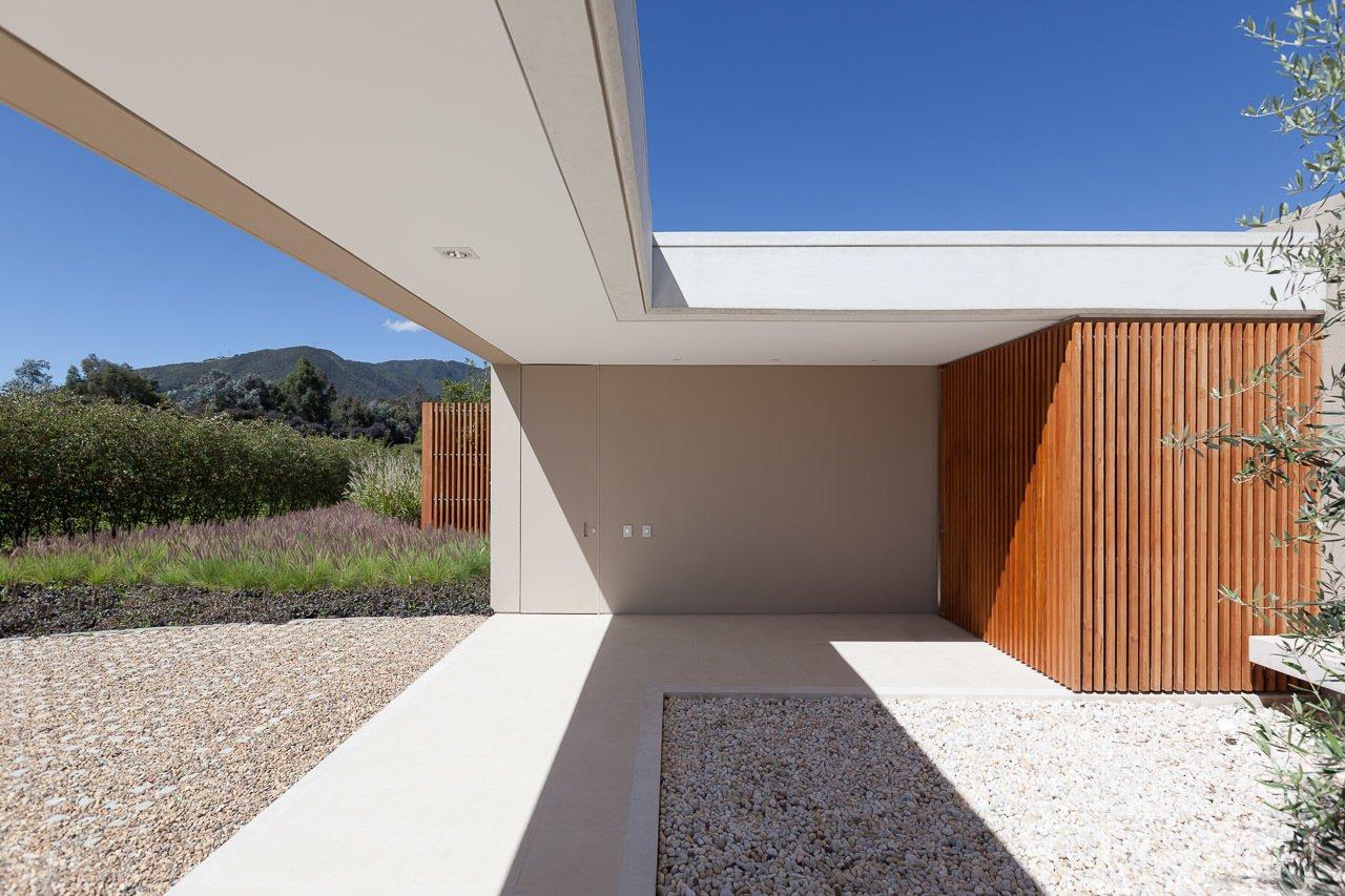Entrance patio  Casa 40 by Sergio Reyes Rodríguez