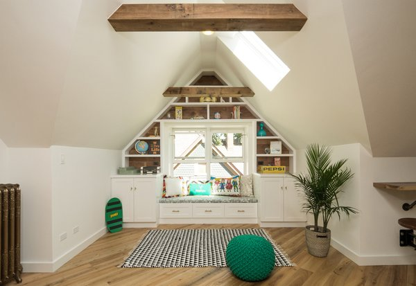 The skylight illuminates the nook for reading and lounging.