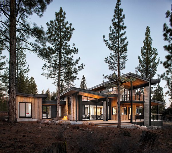 Method Homes is a custom manufacturer of precision–engineered, prefabricated, modern structures. Master craftsmen create their modular homes, commercial structures, accessory dwelling units, and garages. This 4672 sq. ft.