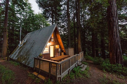 Enjoy peace, quiet, and beautiful views in Cazadero. Your own little triangle situated in the midst of the mighty redwoods (and only 45 minutes away from San Francisco). Light a fire, grab a book, and snuggle up in that inviting nook of a bedroom. For each rental, $50 is donated to Raphael House, a San Francisco organization whose goal is to help at-risk families achieve stable housing and financial independence.
