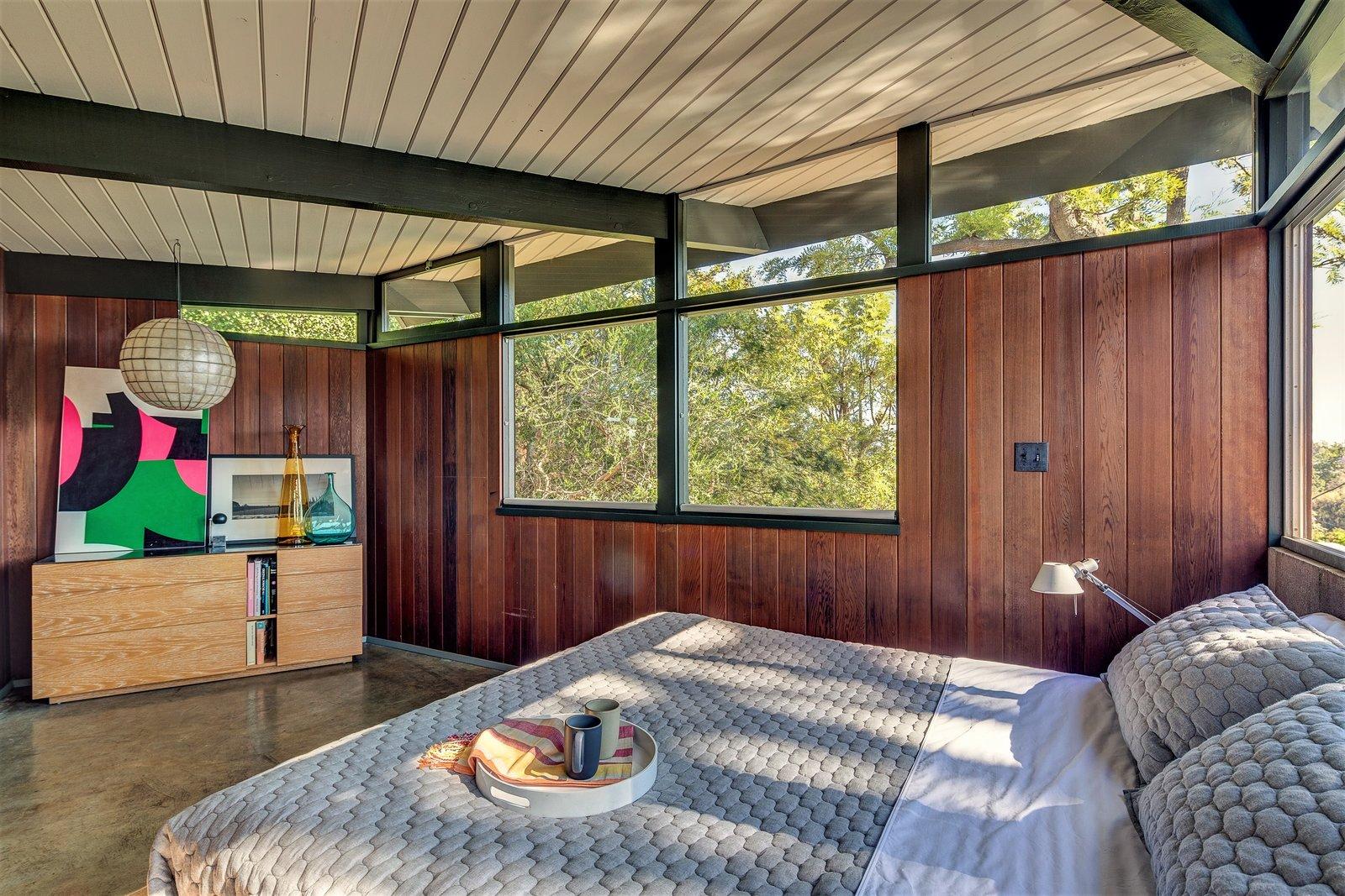 Richard and Helen Arens House bedroom