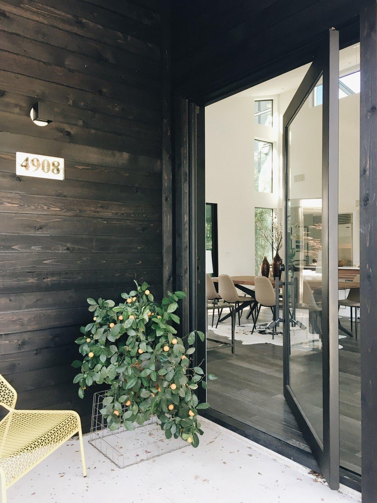 Strass Residence by Matt Fajkus Architecture | Photography: Anna Katsios  Strass Residence
