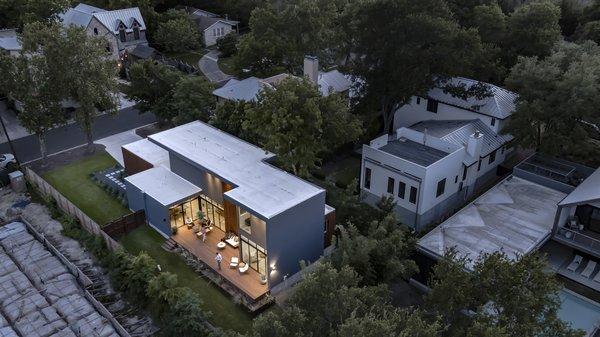 Add/Subtract House by Matt Fajkus Architecture   Photo by Charles Davis Smith