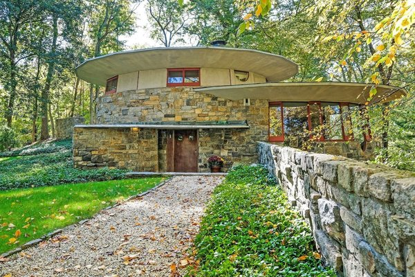 Built in 1948 and named 'Toyhill' by Wright himself, this Usonian home is considered an artistic masterpiece and shows Wright's early interest in overlapping circular masonry, which would become an innovative and iconic treatment found in his later work—including the Guggenheim Museum.