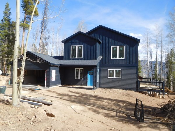 Photo 4 of 8 in 6 Modern Modular Homes We Love in Colorado ...