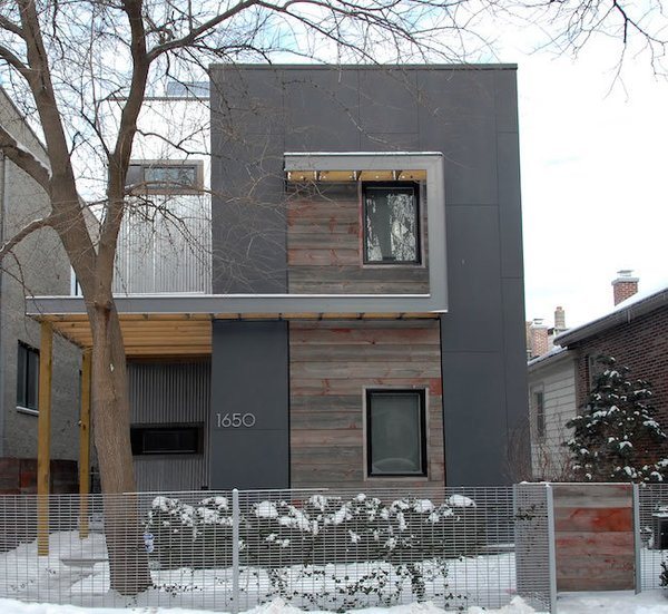 As the second iteration in Square Root Architecture's C3Prefab line of homes, the V1.0 was constructed in the West Town neighborhood of Chicago utilizing prefab modular components including structural insulated panels (SIPs). This type of flat-pack system is more of a hybrid of onsite and prefabricated construction that both minimizes transportation and erection costs of the prefab units.