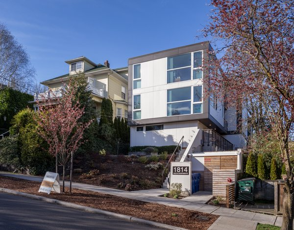 Designed as a complex of eight housing units for a tight urban infill site, the MOD urban apartments were the first modular apartment building constructed in Seattle. When completed in 2013, the project achieved LEED Gold certification; its interior layouts eliminated the need for an elevator or internal hallways, and was outfitted with Energy Star appliances, low VOC paint and finishes, and radiant heating.