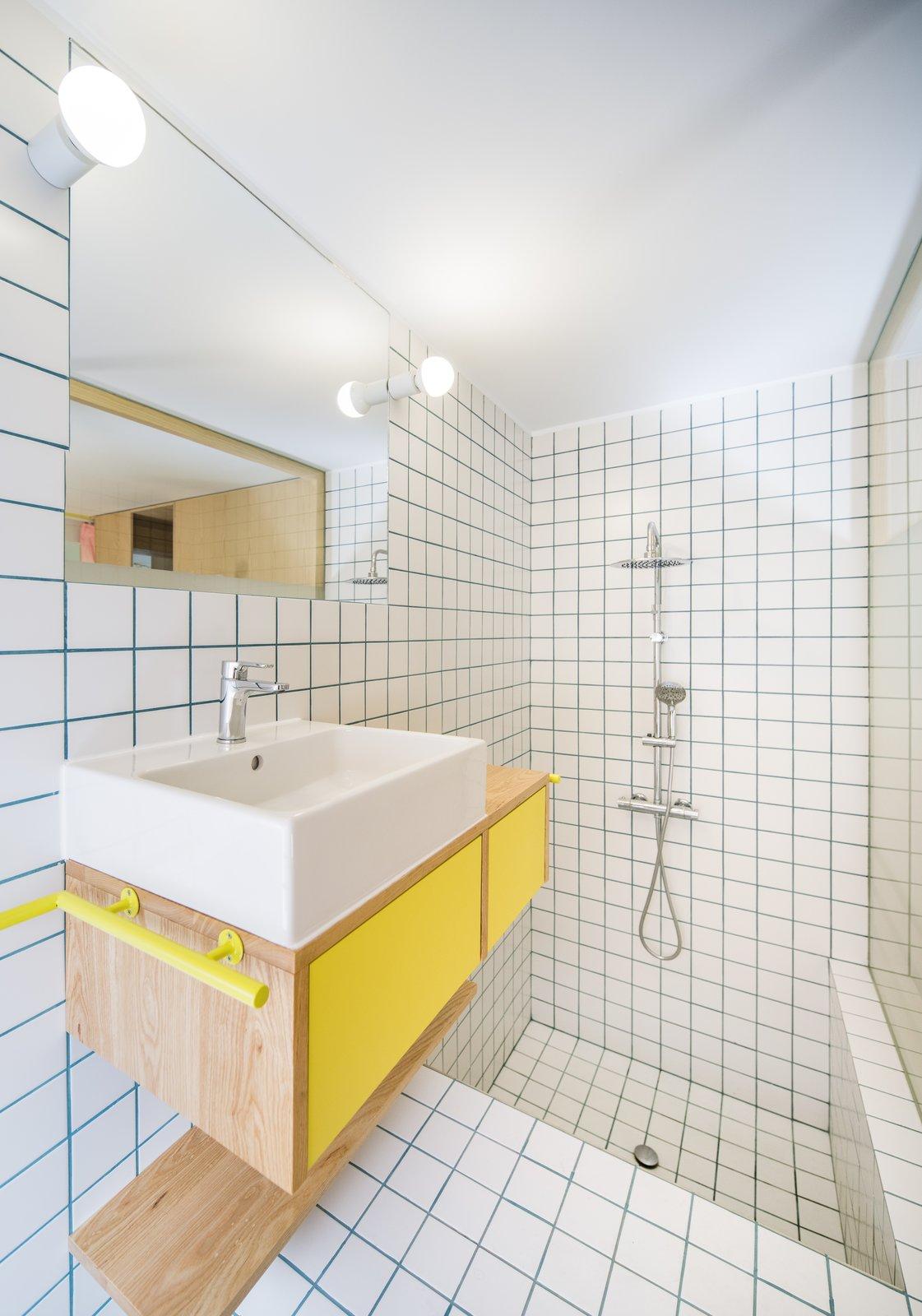 Yojigen Poketto bathroom