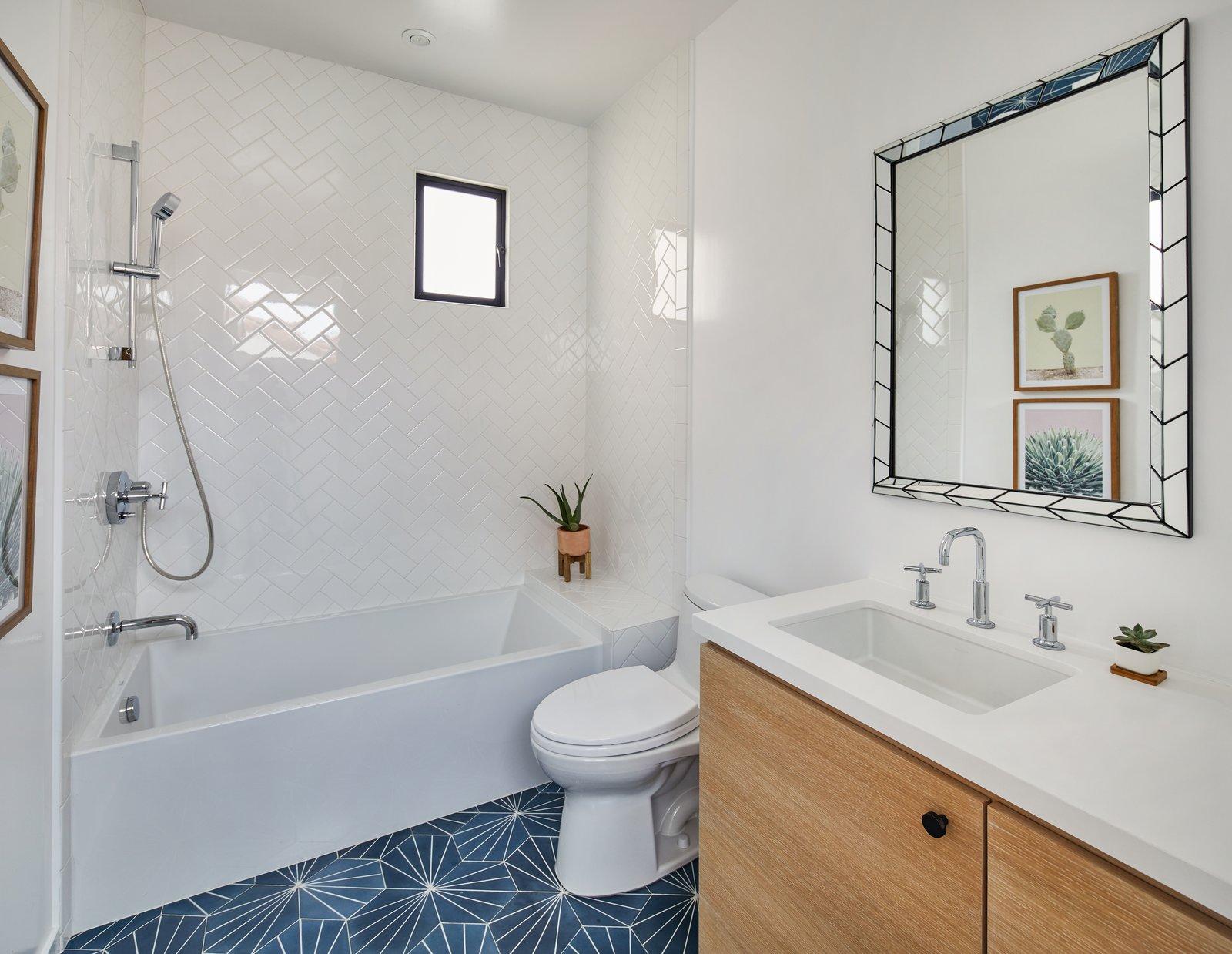 Moore Residence bathroom