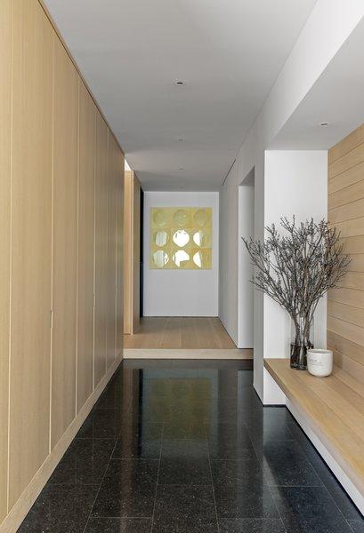 Best 35 Modern Hallway Ceramic Tile Floors Design Photos