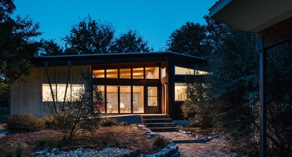 From their headquarters in Austin, Texas, MA Modular provides modular homes to Louisiana and Texas, among other states. Their modern homes are typically inspired by local vernacular building types.