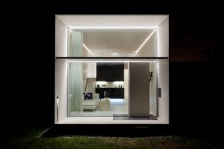 The KODA Concrete is Kodasema's classic model, with 282 square feet of space and concrete exterior panels.