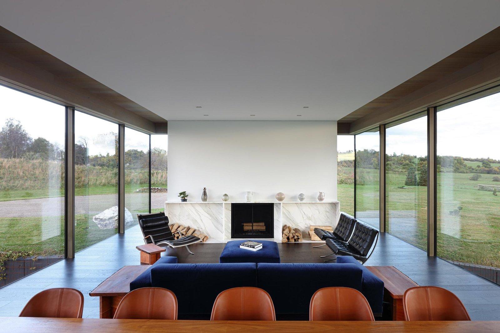 Link Farm House living room