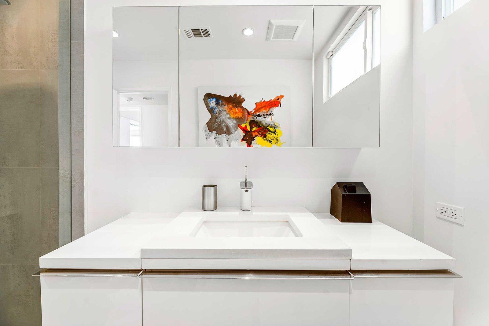 Richard Neutra Platform House bathroom