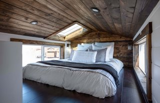 Best 60 Modern Bedroom Dark Hardwood Floors Design Photos And Ideas Dwell