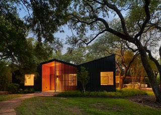 An Angular Austin Home Makes Way For Heritage Oak Trees