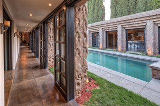 The home, completed in 1926, is an early but important example of Californian design that incorporates indoor/outdoor living.