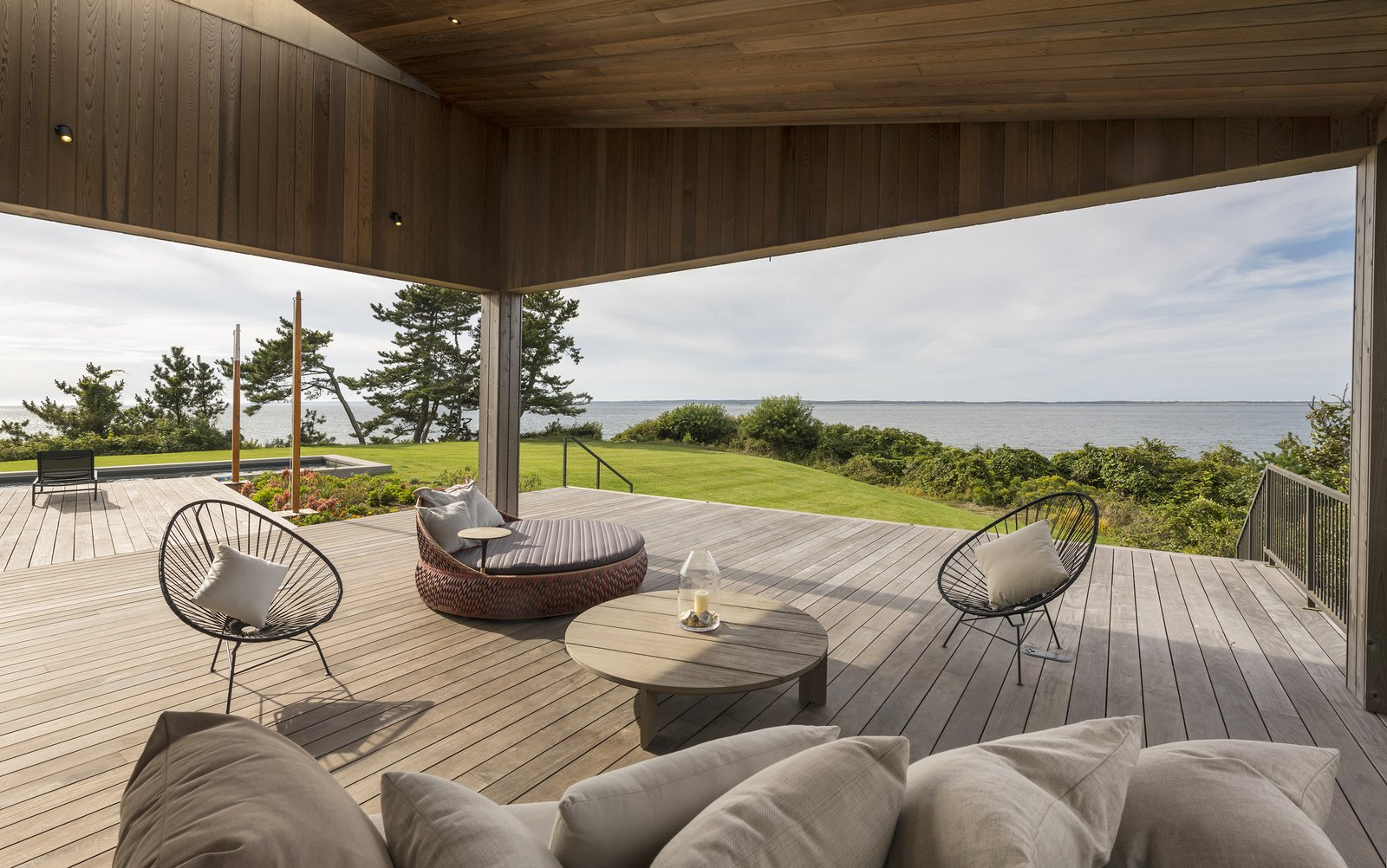 Martha's Vineyard House by Anmahian Winton Architects porch
