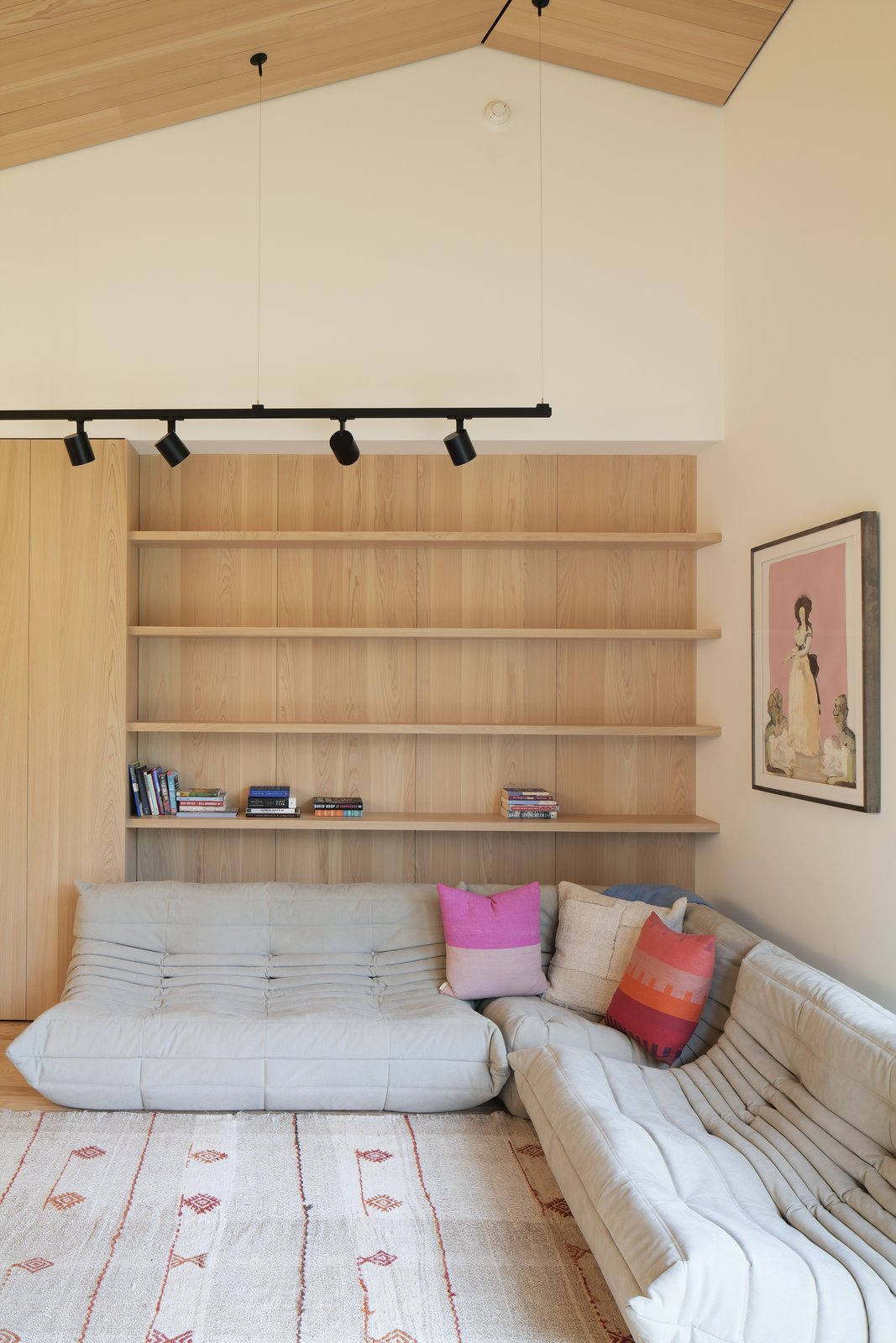 Martha's Vineyard House by Anmahian Winton Architects family room