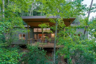 Pilot Cove : Forest Lodging Modern Home