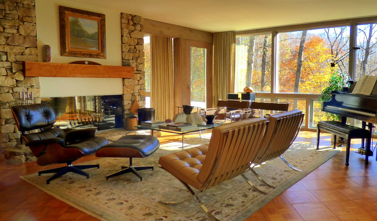 The Living Room glows with the fall colors.  Knoll and Herman Miller furniture.    Phelps Residence by Larry Phelps