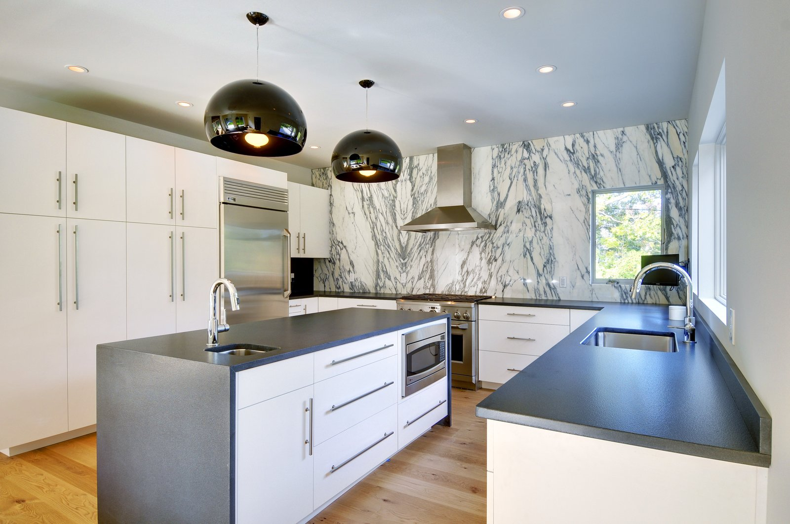 Clean lines.  Oyster Shores by Yankee Barn Homes