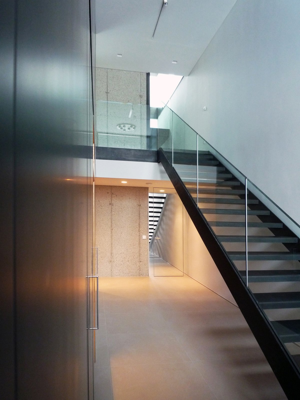 Entrance hall  H_O by Architect Zoran Bodrozic