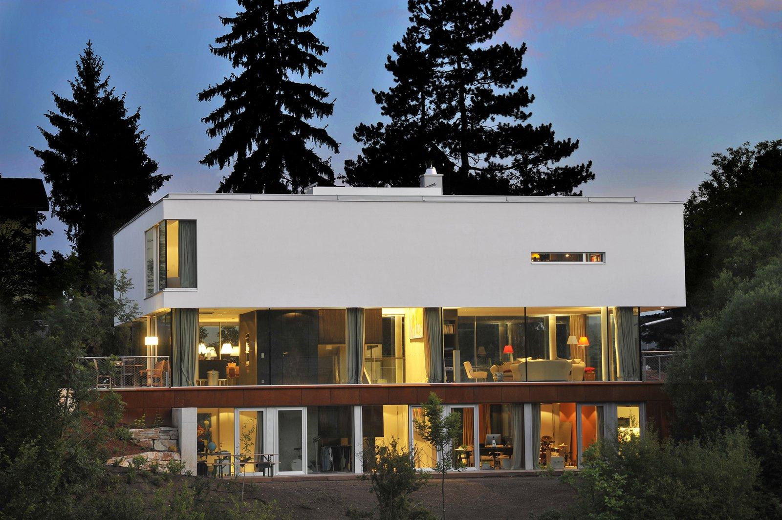 North view in the evening  360° Villa by Architect Zoran Bodrozic