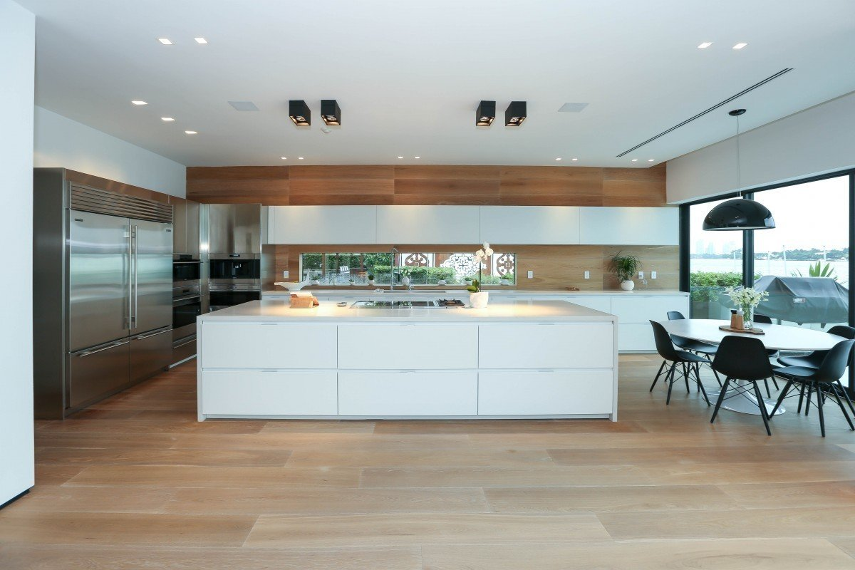 Kitchen and Dining Room  Villa Venetian by Choeff Levy Fischman