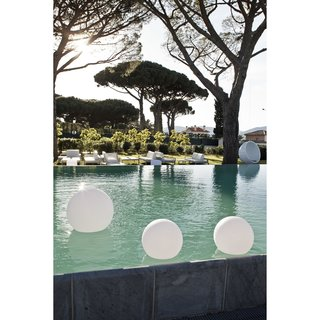 These portable round LED lamps by Smart & Green are made from plastic, which makes them weatherproof —a key feature for waterside lighting.