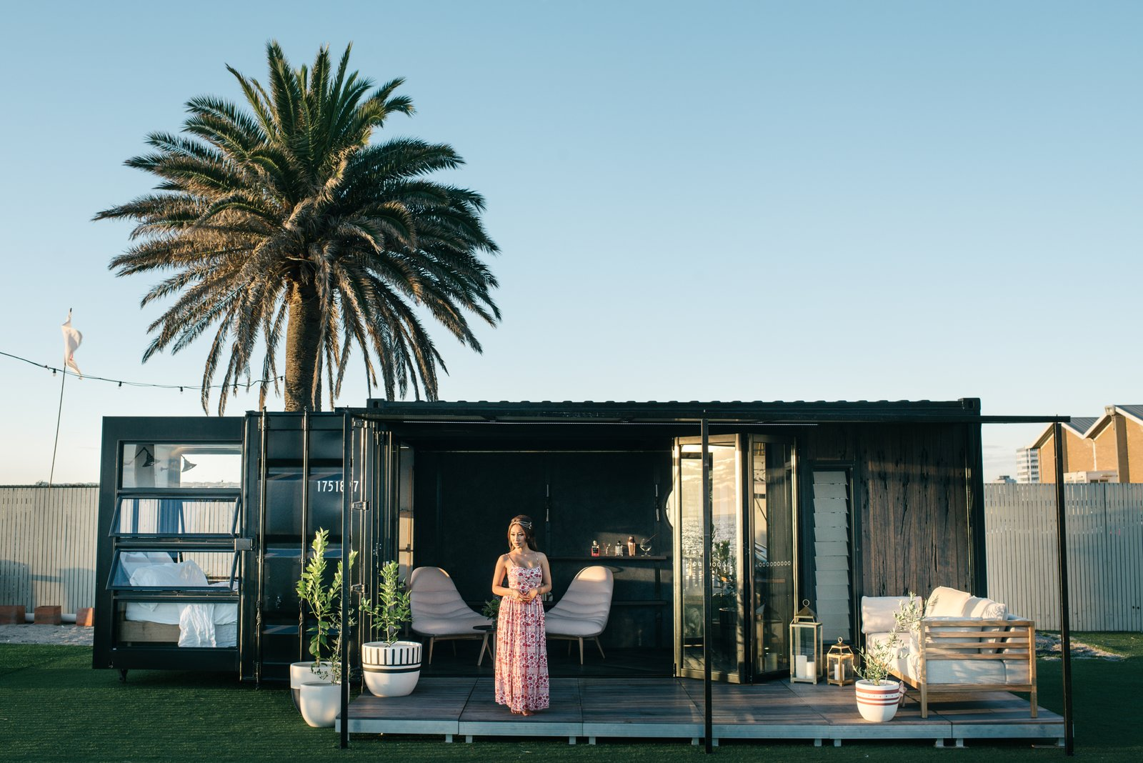 Contained shipping container hotel