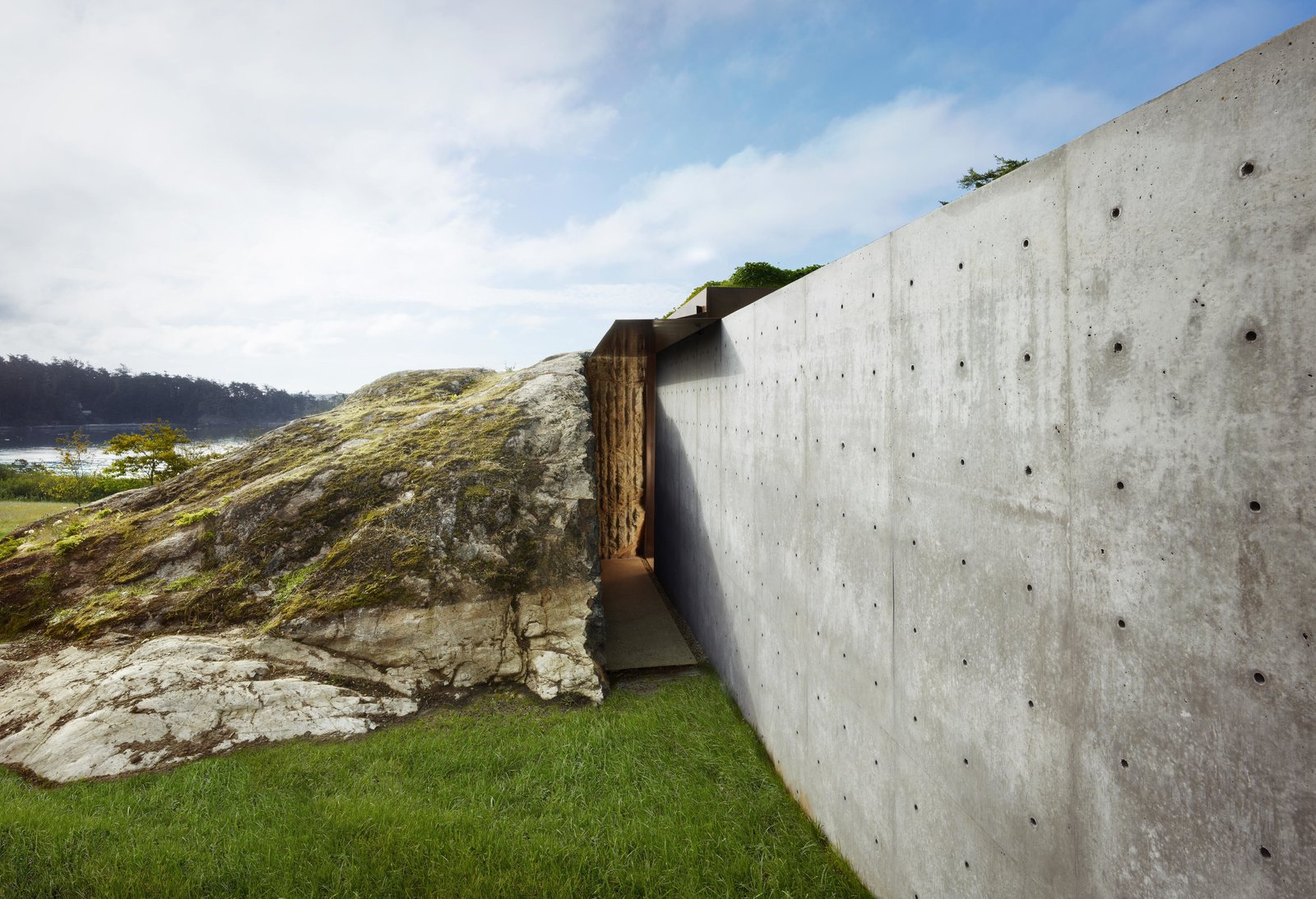 Outdoor, Grass, and Boulders The Pierre | Olson Kundig  Best Photos from The Pierre