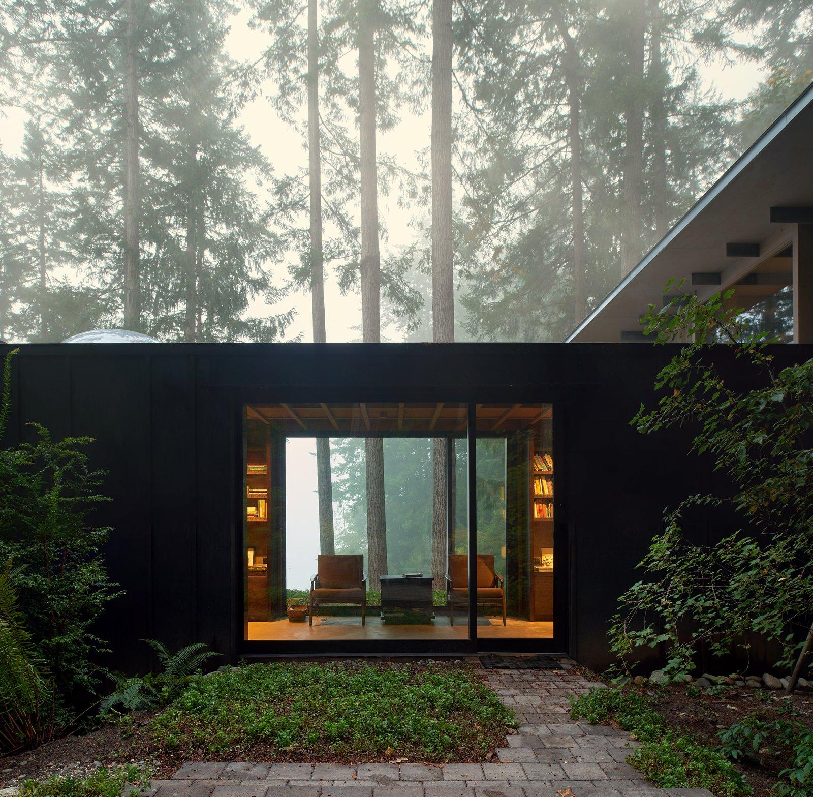 Cabin in Longbranch exterior