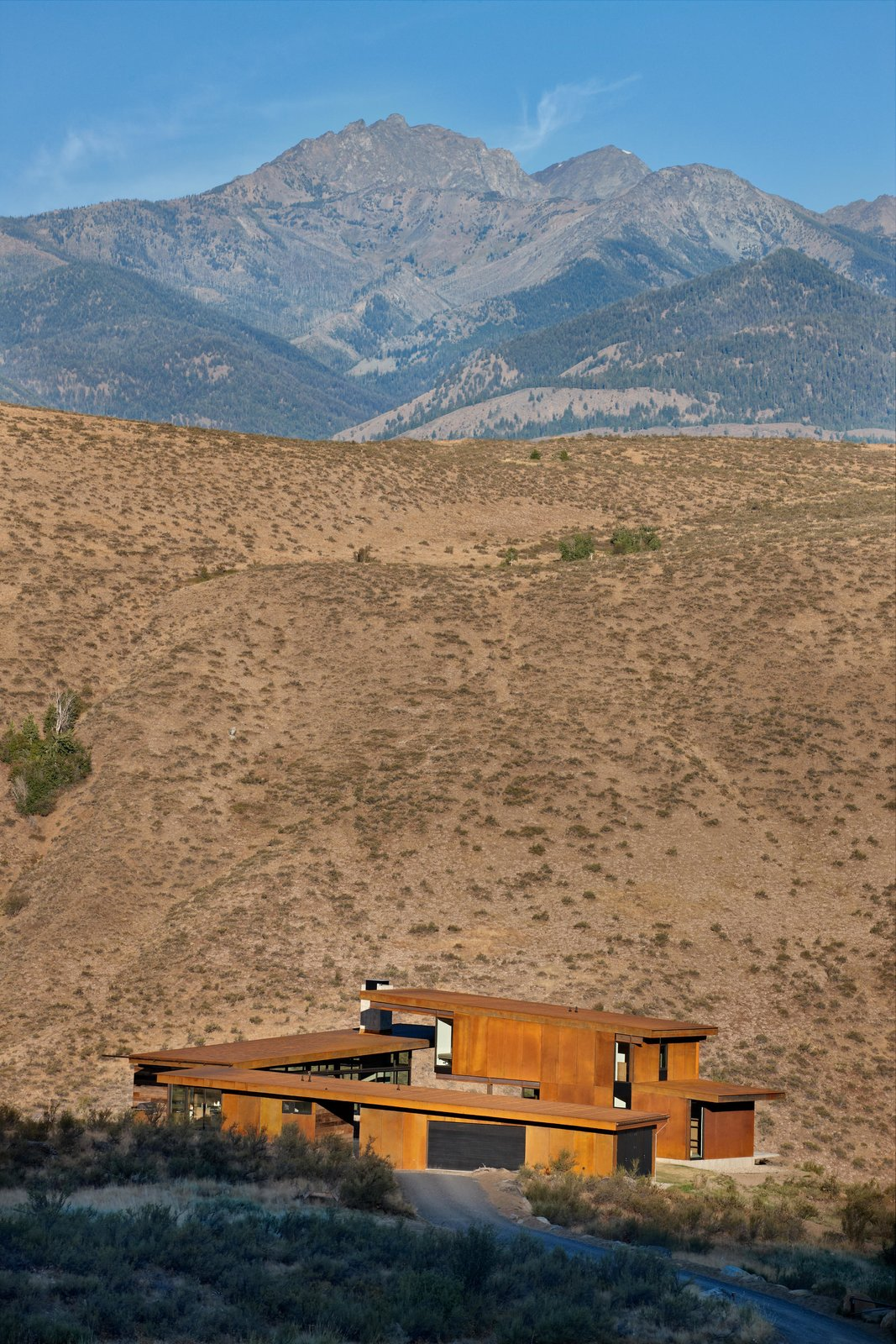 Outdoor, Desert, and Side Yard Studhorse | Olson Kundig  Studhorse by Olson Kundig