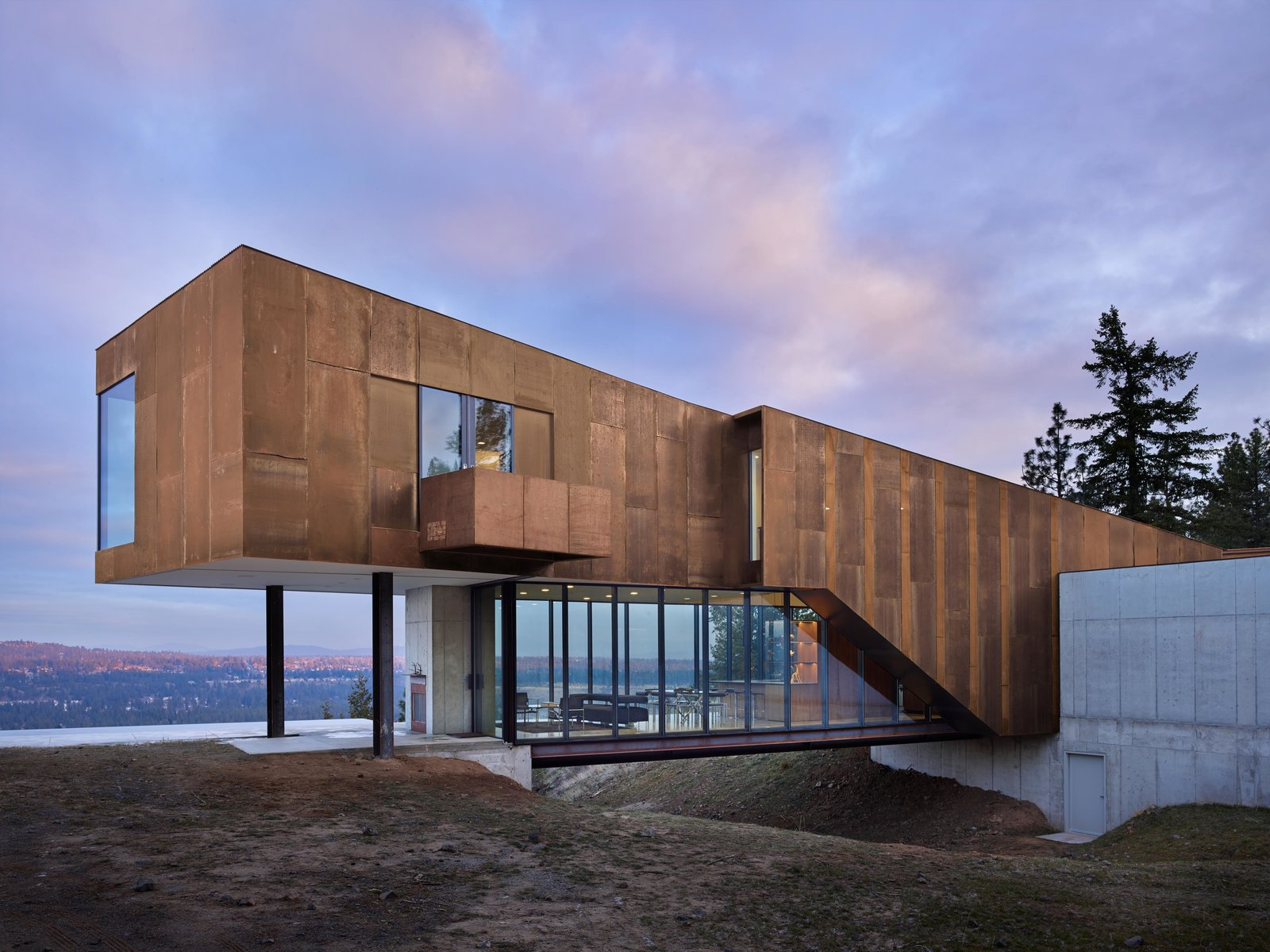 House Building Type, Metal Roof Material, Metal Siding Material, Outdoor, Back Yard, Large Patio, Porch, Deck, Concrete Patio, Porch, Deck, Infinity Pools, Tubs, Shower, Side Yard, and Front Yard Rimrock | Olson Kundig  Photos from Rimrock