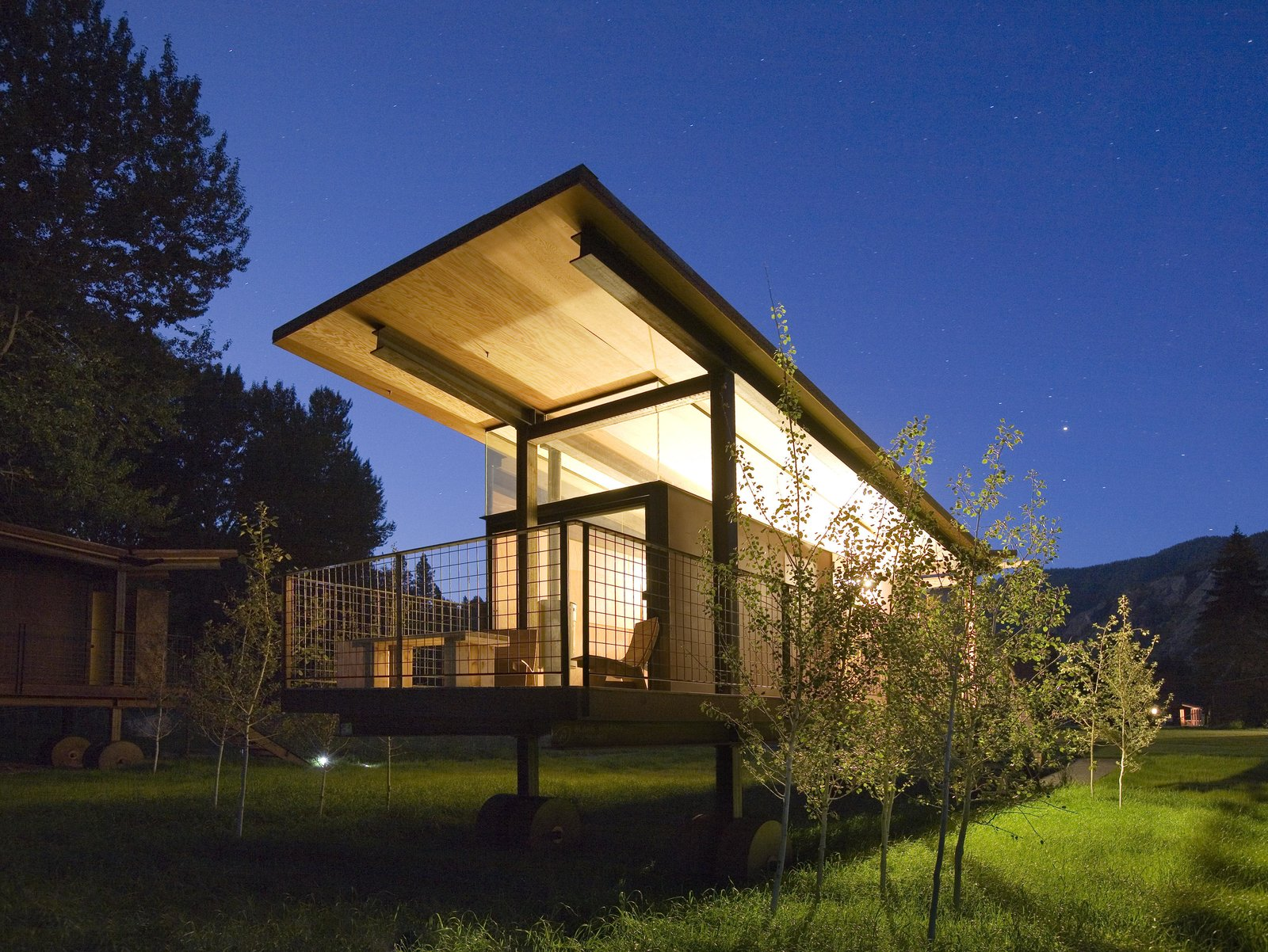 Exterior and Cabin Building Type Rolling Huts   Olson Kundig  Rolling Huts by Olson Kundig