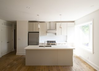 1733 Bathurst - Kitchen