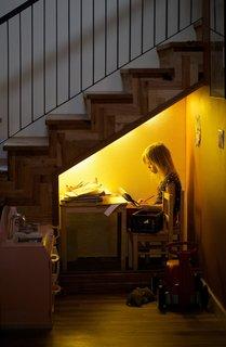Indigo in her study