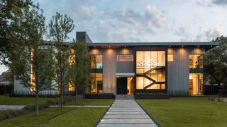 Taula House by M Gooden Design  |  Exterior // Approach